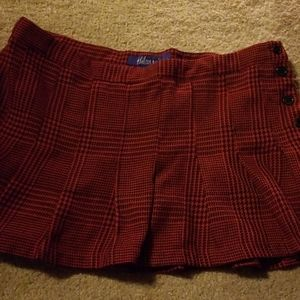Miley cyrus red and black plaid skirt